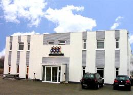 Sporthalle, Straßenansicht, Köln - Rodenkirchen